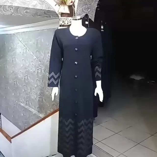 60 Begenme 42 Yorum Instagram Da Buyuk Beden Tesettur Abiye Modasecil Yeni Sezon Triko Manto Bedenler In 2020 Dresses With Sleeves Long Sleeve Dress Fashion