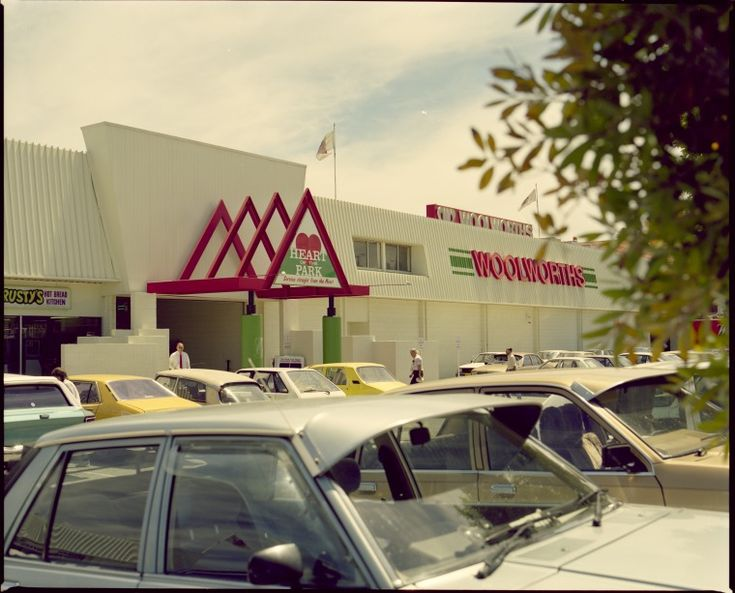 336075PD: Heart of the Park Shopping Centre, 366 Albany Highway, Victoria Park, 9 November 1989 https://encore.slwa.wa.gov.au/iii/encore/record/C__Rb4642724