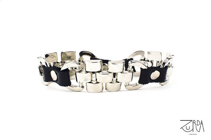Pulsera Madurez, diseñada por Zurda. #Zurda #brazalete #bracelet #bisutería #bijou #diseño #design #Terrenal #AW1415