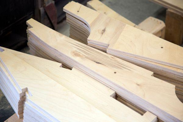 Työvaihe: Sohvarungon osien valmistus | Craft: Framework components Tuotantolinja: Sohvat | Production line: Sofas  #pohjanmaan #pohjanmaankaluste  #craftsman #craftsmanship #handmadefurniture #furnituremaker #furnituredecor