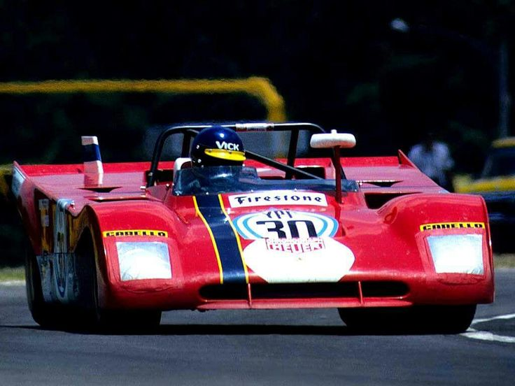 O Ferrari 312 PB #0886 de Ronnie Peterson (ao volante) e Tim Schenken, vencedores dos 1000Km de Buenos Aires de 72.