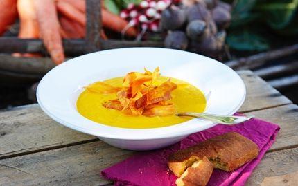 Morotssoppa med linser och dillfrön