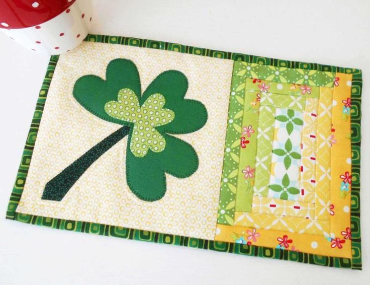 Celebrate the beginning of Spring and Saint Patrick's Day with this quick-and-easy mug rug pattern.