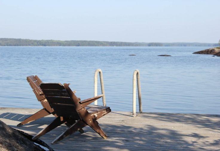 Istahda katsomaan horisonttiin Murikanrannassa – tai pulahda veteen virkistäytymään.