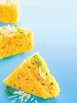 Celebrate a fibre treat with these scrumptious sweet corn and maize flour dhoklas with coriander garlic chutney.