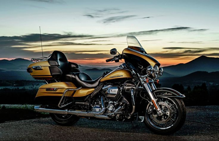 2017 Ultra Limited! #milwaukeeeight #harley #davidson #harleydavidson #harley-davidson #hd #ultra #limited #ridefree #bikers #lifestyle #motorcycles #2017