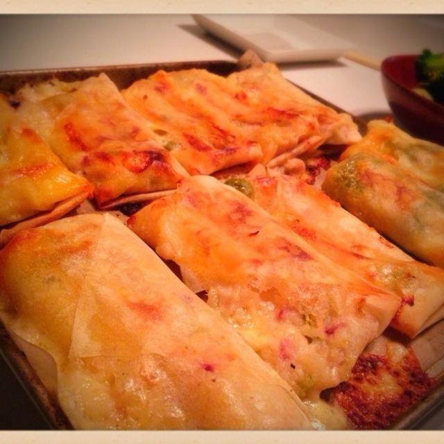 ピザ用チーズ使っちゃったら、破裂して出ちゃったけどパリパリになってうまし꒰ ू๑ ›◡ु‹ ๑ ू꒱ - 71件のもぐもぐ - 大人のポテトサラダのリメイク  焼き春巻き❤️ by mieko matsuzaki
