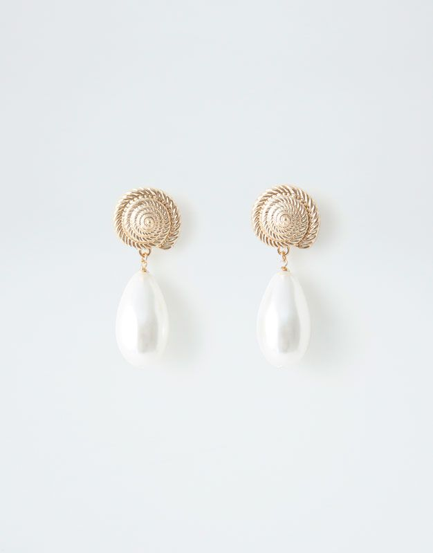 Aretes perla caracola - PULL BEAR  f29ca2859ac