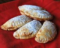 Spiced Pear Dessert Empanadas - Empanadas de Pera