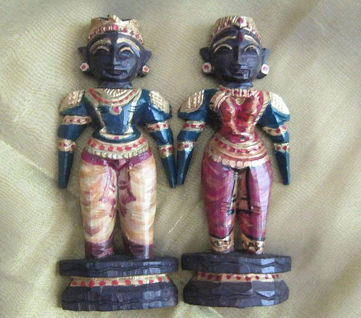 Traditional Indian dolls (marapachi)