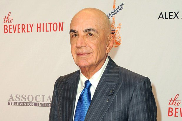 Robert Shapiro Reveals What OJ Simpson Whispered After Verdict #robert #shapiro #net #worth http://wisconsin.nef2.com/robert-shapiro-reveals-what-oj-simpson-whispered-after-verdict-robert-shapiro-net-worth/  # Robert Shapiro Reveals What OJ Simpson Whispered After Verdict Former O.J. Simpson lawyer Robert Shapiro appeared on Megyn Kelly s Fox special on Tuesday night, and finally revealed what his client whispered in his ear after the verdict was read. You had told me this would be the…