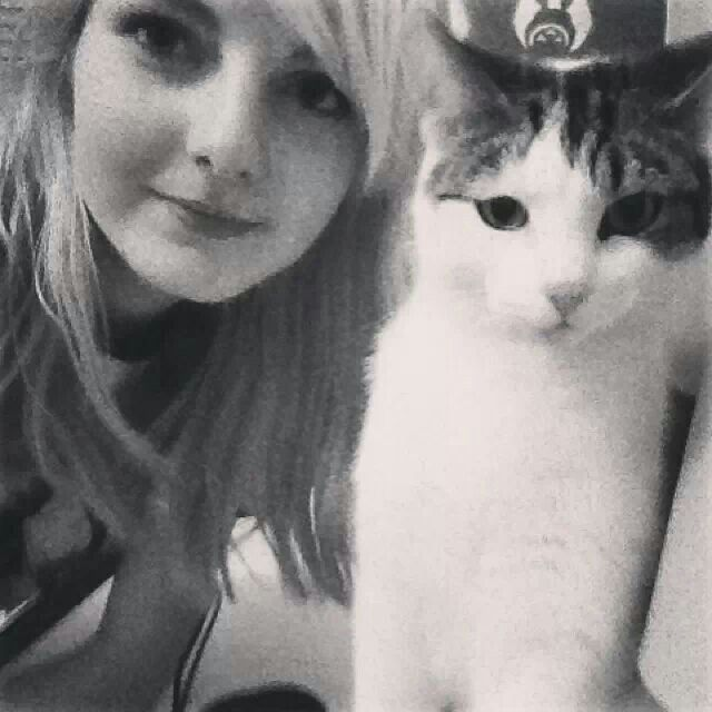 Ldshadowlady and her cat Buddy.