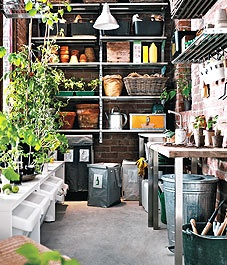 potting shed: Garden Sheds, Idea, Greenhouse, Potting Sheds, Gardening, Gardens, Green House, Room