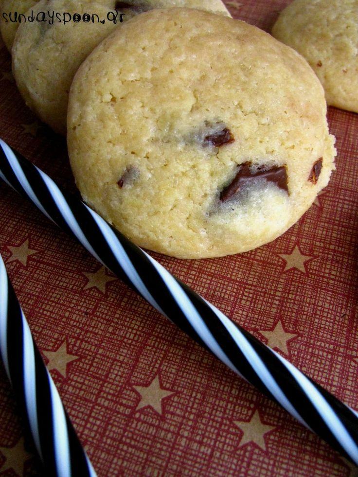 Μαλακά μπισκότα βανίλιας με σοκολάτα γάλακτος • sundayspoon