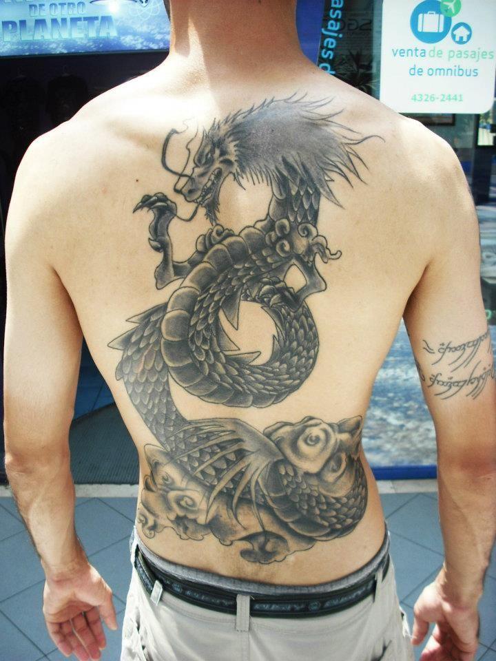 Mi tatuaje del dragon de Shiryu ya cicatrizado
