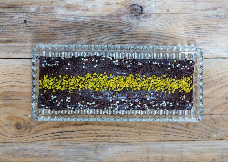 Bardakta kek, şipşak hazırlanacak, ekstra yeteneğe ihtiyaç duymadan hazırlayacağınız, tek kişilik mükemmel bir lezzet.