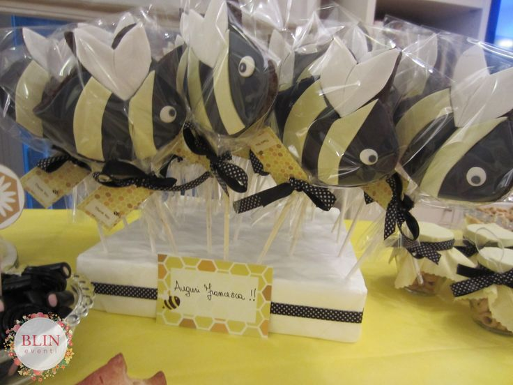 Bees party cookies by Blin Eventi http://www.blineventi.it/
