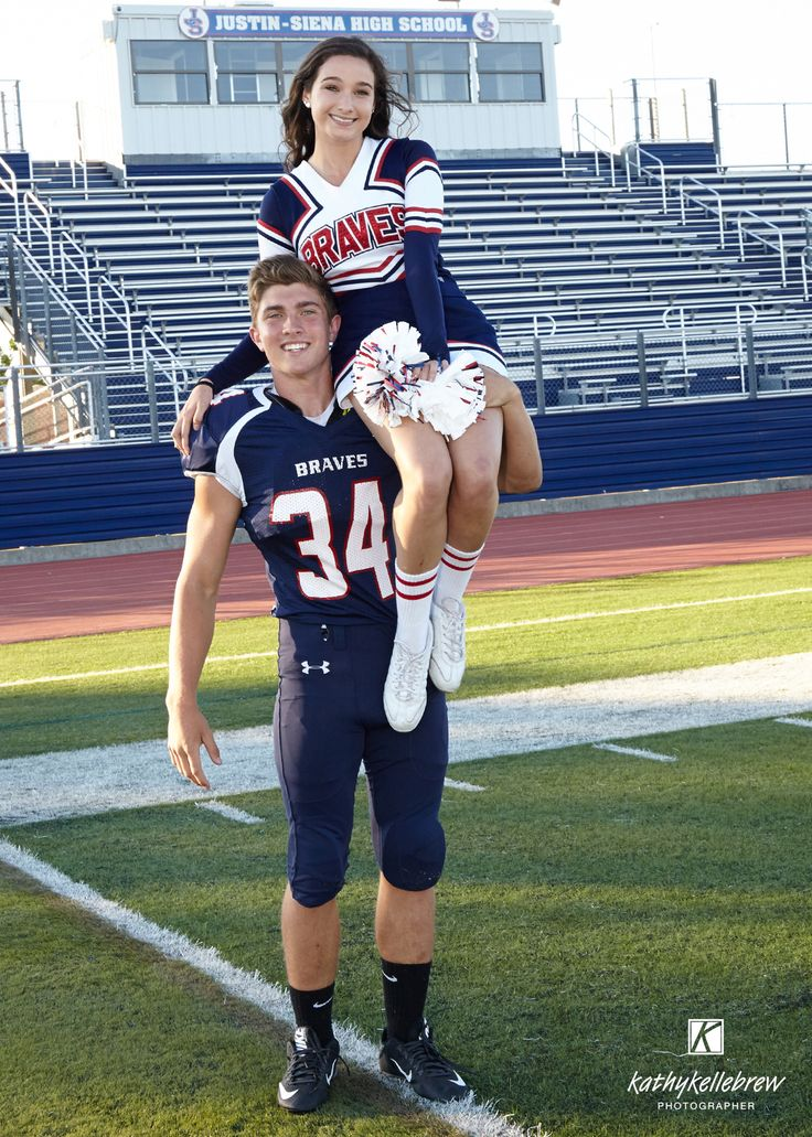 Football player cheerleader couple | cheerleading ...