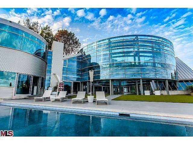 Justin Bieber Renting Beverly Hills Mansion   Luxury Homes   Most beautiful homes   Most expensive homes  Luxury Furniture  For more inspirational ideas take a look at: www.bocadolobo.com