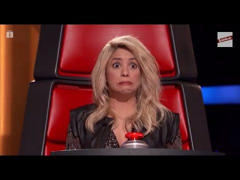 La cara de Shakira al escuchar su canción 'Loca' The Voice Highlight - YouTube