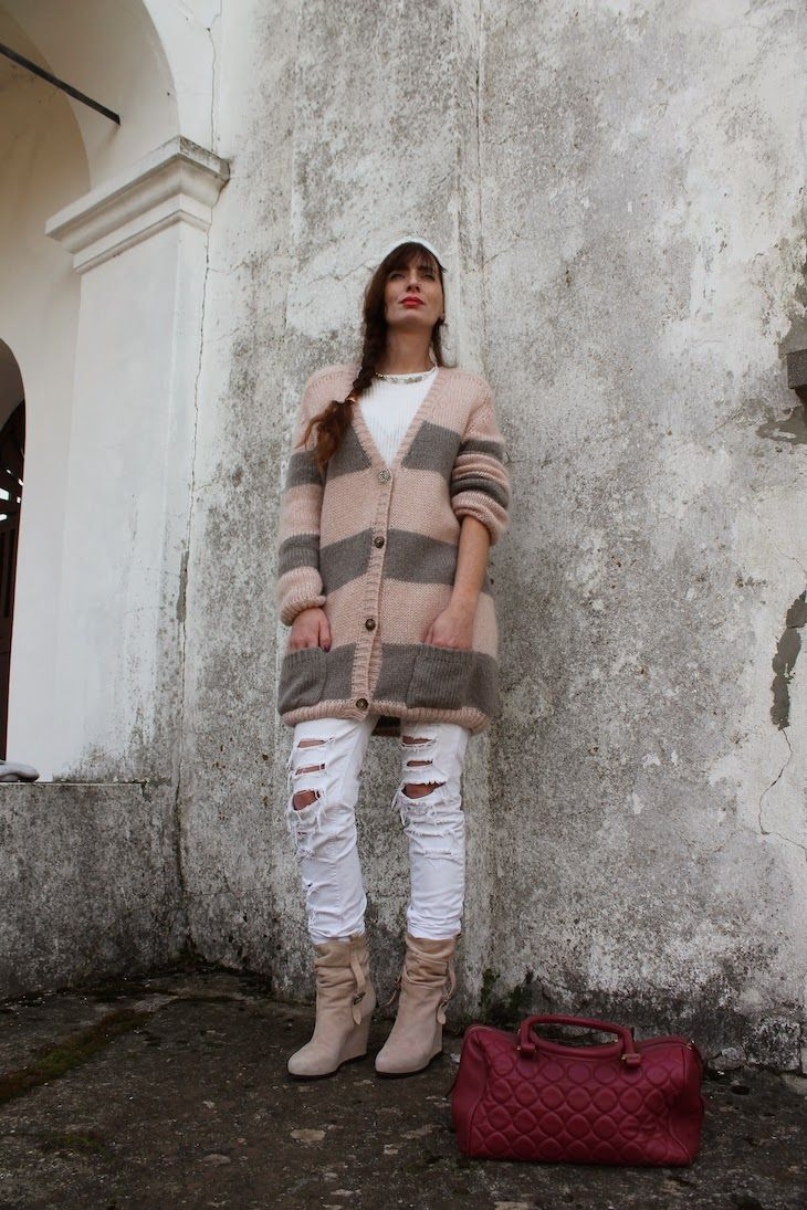 Pink and Grey stripes : Manulena knitwear  #knitwear #madeiitaly #fashionblog #outfit #fashionblogger #style #streetstyle #pastel #pink #grey #winter #wool #fashion #combo    @altoitaliano