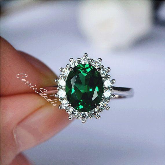 Hermosa Esmeralda Oval anillo de Esmeraldas anillo por CarrieStudio                                                                                                                                                                                 Más
