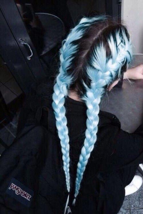 56 belles coiffures bleu clair pour les femmes noires