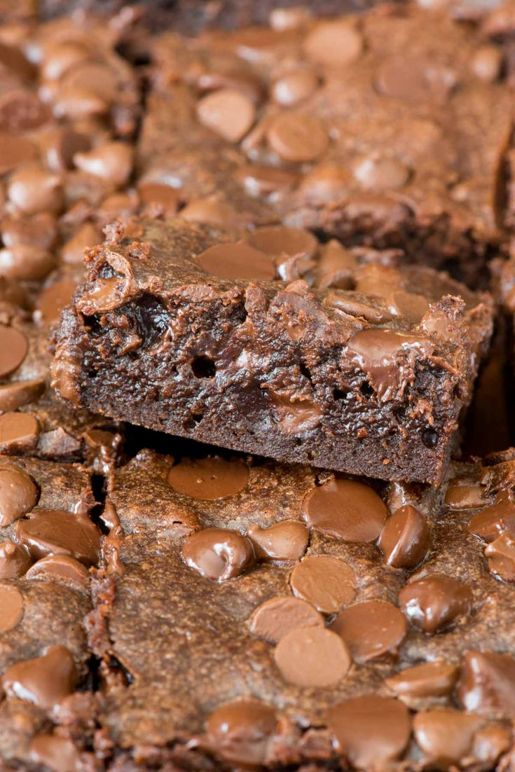 These are the BEST perfectly Fudgy One Bowl Brownies - an easy recipe that's done in minutes. These brownies are SO good - you can't stop eating them.