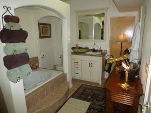 12-136125, 4 beds, 3 baths
