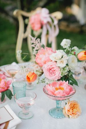 Vintage Blue Glass and Pink Floral Tea Party Decor #bridesmaids #teaparty #gardenparty
