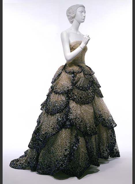 Vintage Dior.  Seriously tho.. Can I have this? Can I? Its effing amazing!