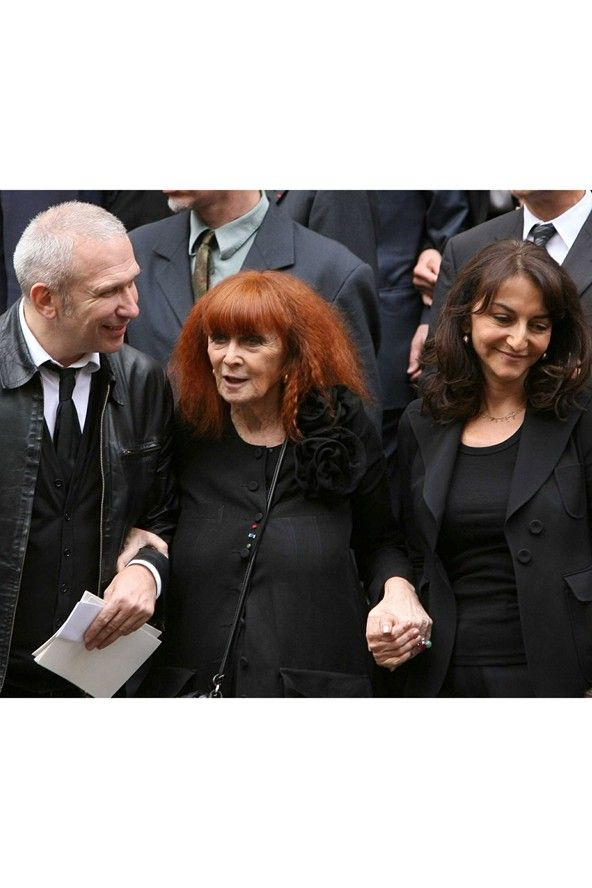 June 5 2008 At the funeral of Yves Saint Laurent in Paris with Sonia and Nathalie Rykiel.  Photo By Rex Features