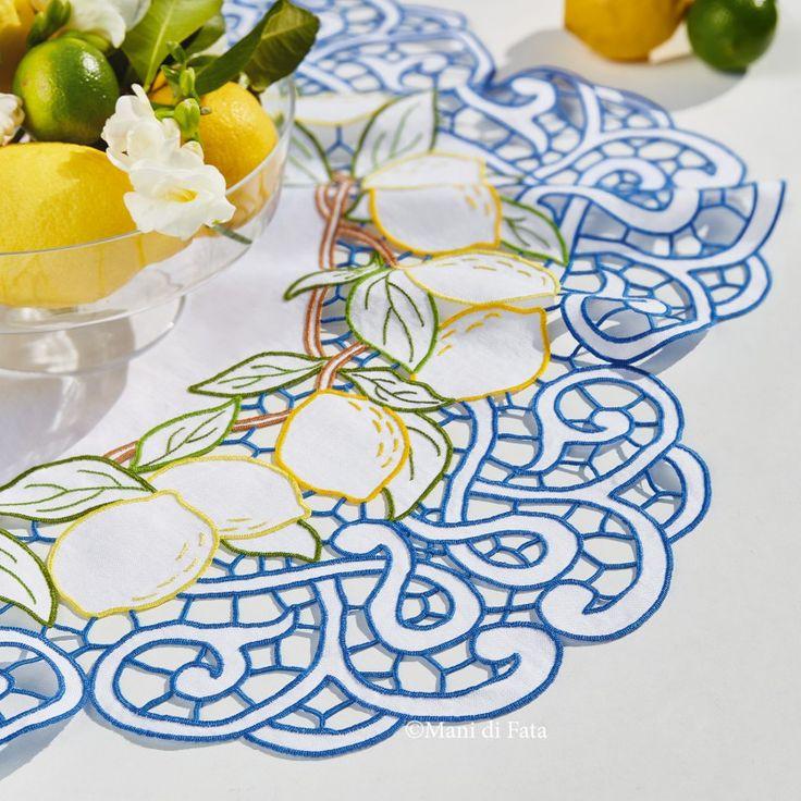 Centro in Lino da ricamare: puro lino bianco disegnato per realizzare il centro rotondo ad intaglio con motivo limoni.