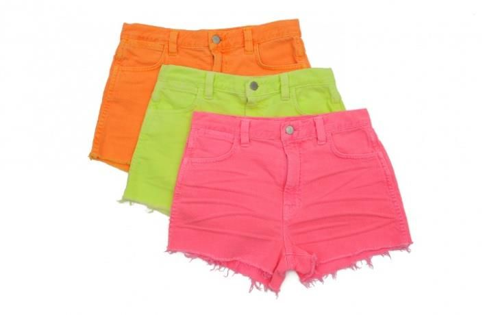 Яркие женские шорты