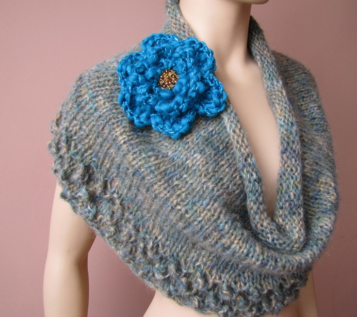 Knitting Pattern Chunky Cape : 17 Best images about Knitting cape on Pinterest Knitting daily, Shawl and K...