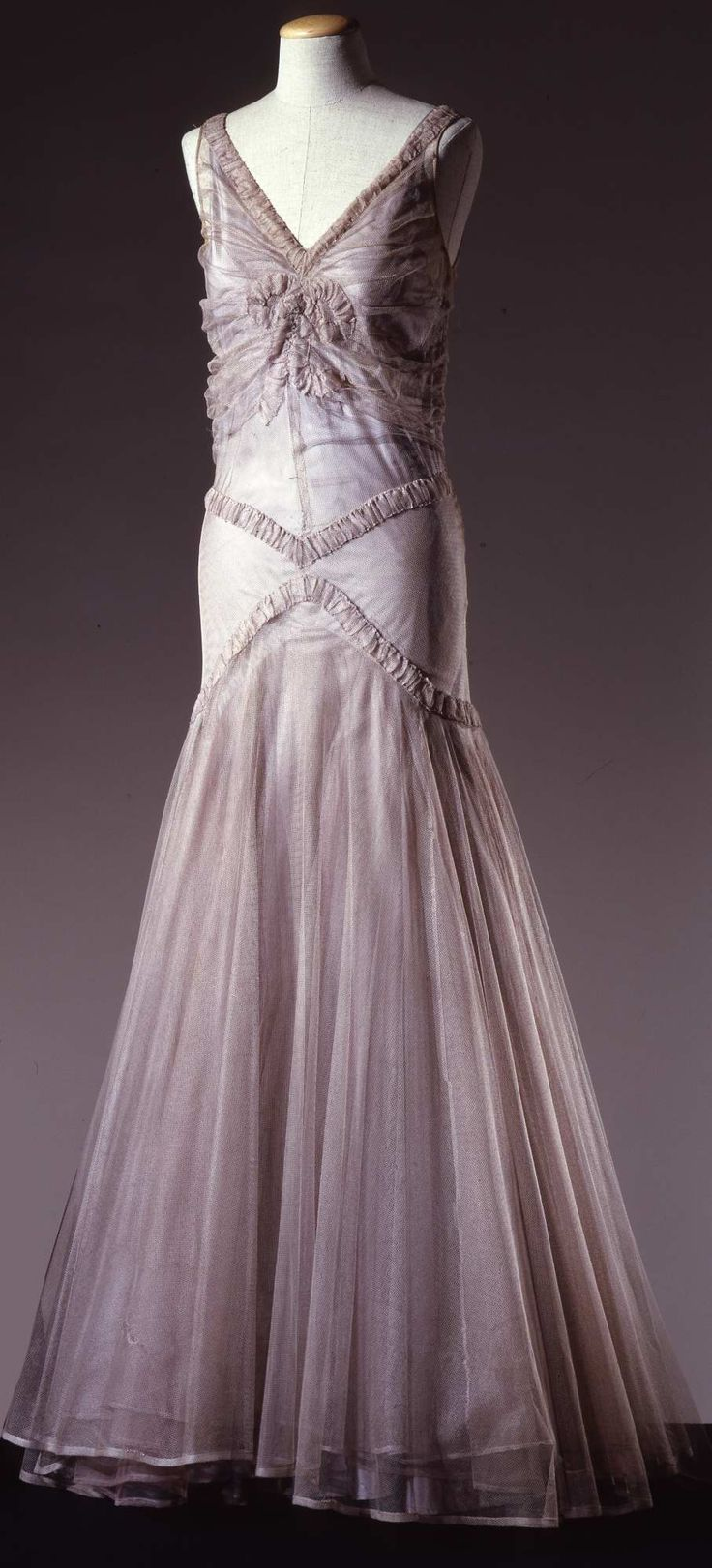 Evening dress, c. 1930-32. Galleria del Costume di Palazzo Pitti.
