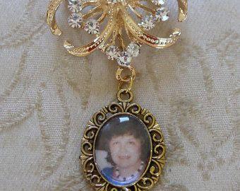 Gold tone crystal pin memorial photo bouquet charm - £12.50 plus p&p
