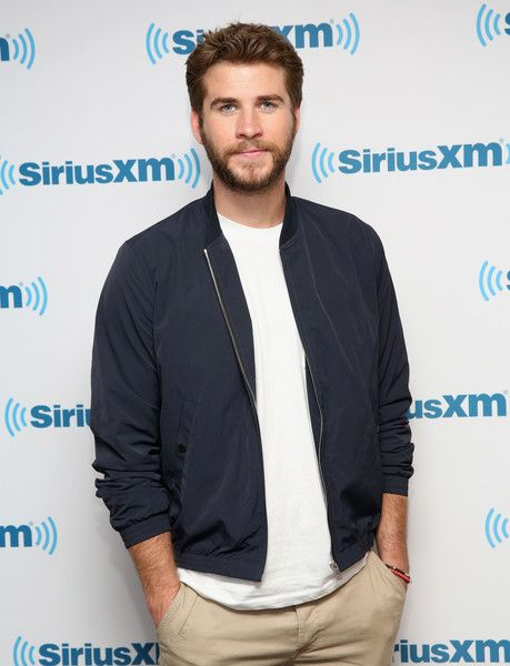 Liam Hemsworth Photos - SiriusXM's 'Town Hall' With the Cast of 'Independence Day: Resurgence' Town Hall - Zimbio