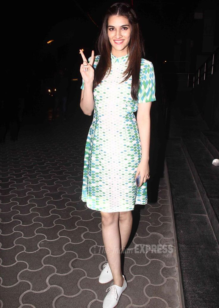 Kriti Sanon at #Dilwale's screening. #Bollywood #Fashion #Style #Beauty #Hot #Cute