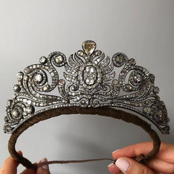 Duchess Royal Gold Crown Tiara Windsor - CrownDesigners