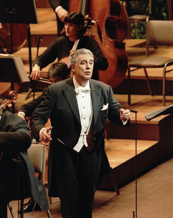 Plácido Domingo  Zarzuela (2001) Photo Credit: Ken Howard