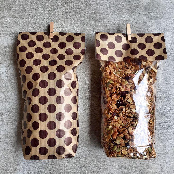 Granolas artesanales de Home Baked: Semillas de Calabaza, Semillas de Girasol & Blueberries, Chocolate & Cerezas, Quinoa & Duraznos ó Pecanas & Uvas Pasas. Tienes que probarlas todas!