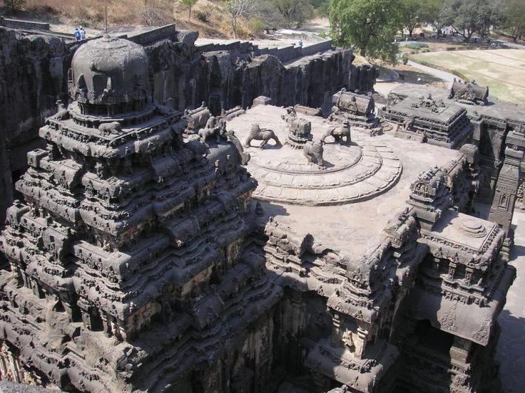 ユーラシア旅行社で行くインドツアー 世界遺産 エローラ石窟寺院をじっくり見学します