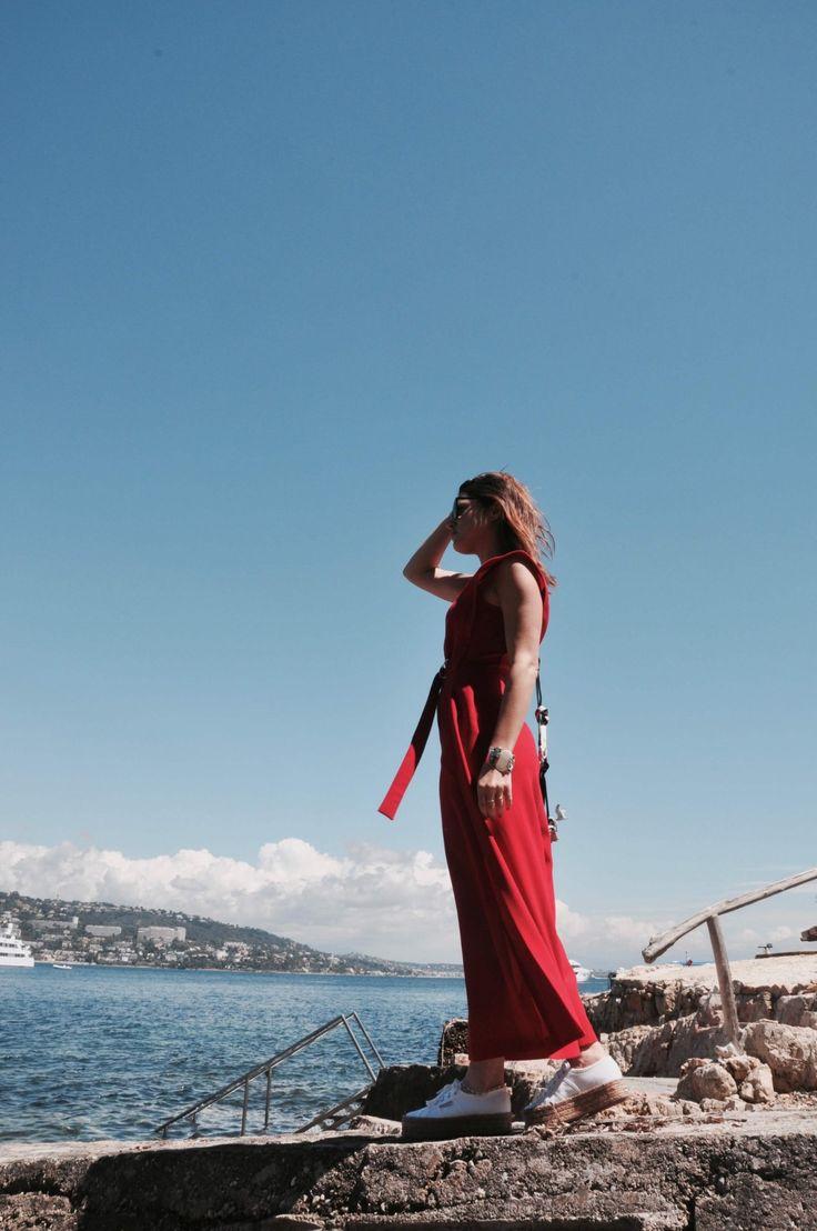 Festival de Cannes  Combinaison rouge Tara Jarmon  L'atelier d'al blog mode lifetsyle Paris