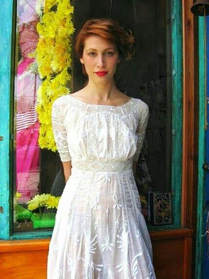Vestido blanco con bordado