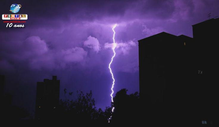 La Agencia de meteorológica anunció vigilancia de la previsión de lluvias torrenciales para el miércoles (21) en gran parte de Japón. Conferir.