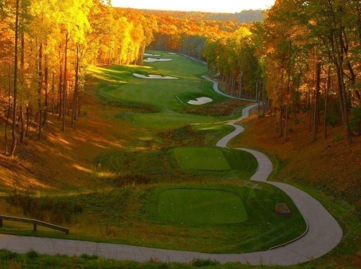 Hole #16 at Stonehaven Golf Course in Daniela, West Virginia, our featured course this morning. https://www.facebook.com/TravelTheUs/