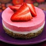 Raw strawberry dreamcakeStrawberries Cheesecake, Strawberries Dreamcak, Dreams Cake, Raw Strawberries, Strawberries Cake, Raw Vegan, Raw Cheesecake, Raw Recipe, Raw Food