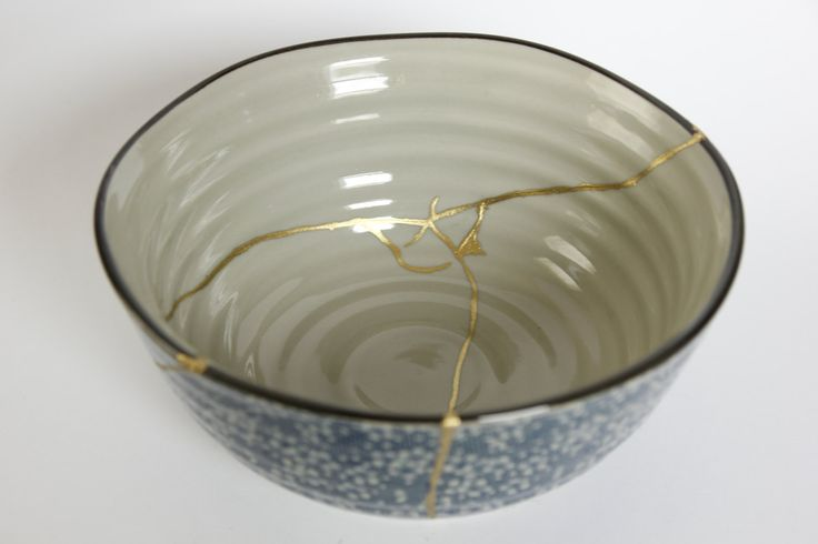 Large Japanese bowl, with traditional Japanese pattern on the outside, repaired with Kintsugi by Kinenzo on Etsy