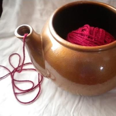 Why have I never thought of this? I've been wanting a yarn bowl, but a teapot works just as nice!